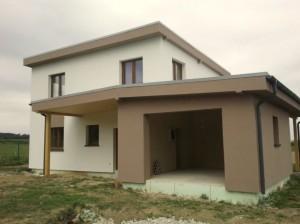 Alleinstehendes Haus schutzlos dem Nordwind ausgesetzt